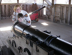 Karen and Jack aim the Plimoth cannon